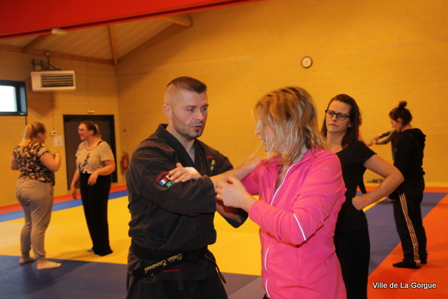 self defense 015